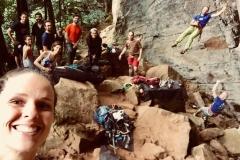 Membros do CUME escalando na Fazenda Invernada. (2018)